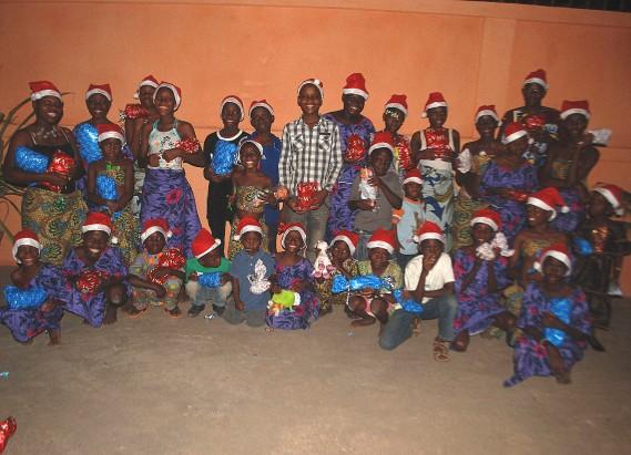 Les enfants nécessiteux du quartier avaient été invités